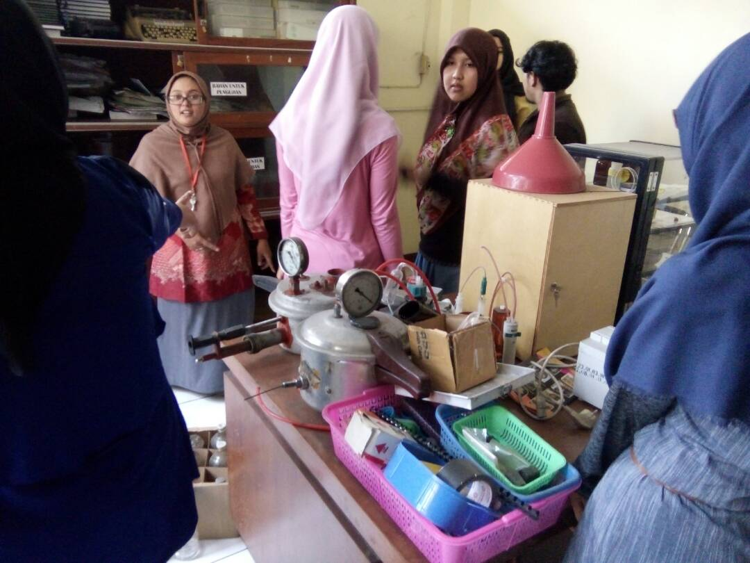 LAB MEETING DAN PERSIAPAN RUANG BARU GRUP RISET PLASMA SCIENCE AND TECHNOLOGY